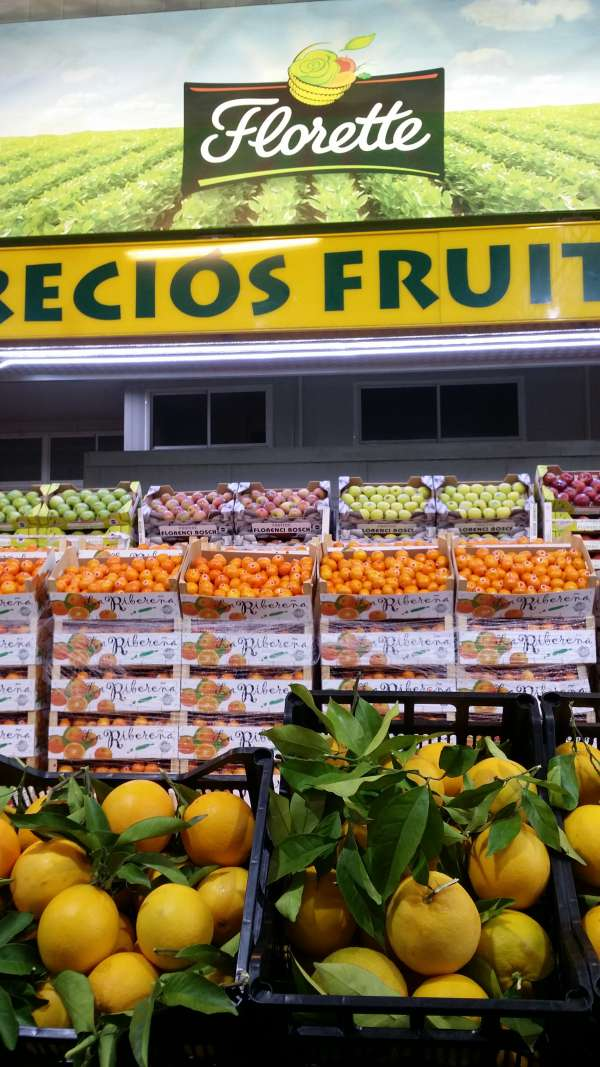 Campreciós Fruits - Mayorista de Frutas y Verduras - Zona de exposicion y venta